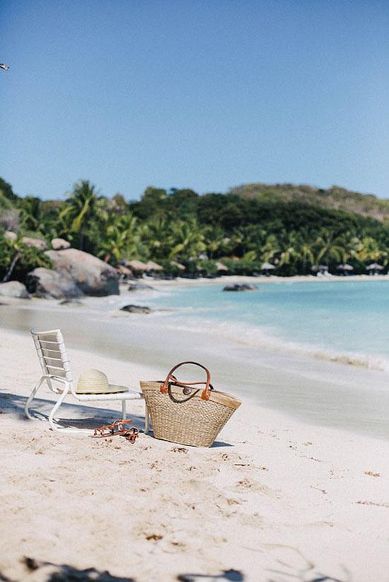 Summer beach scene ©Beth Kirby @localmilk