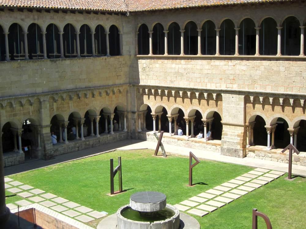 Barcelona monasterio de sant cugat beautiful places of for Pisos sant cugat