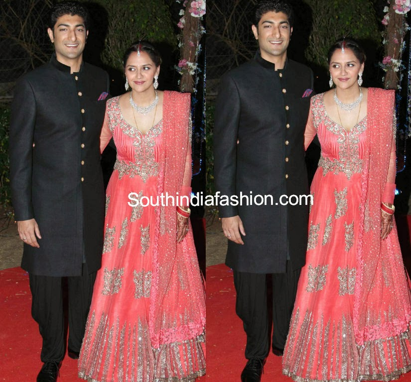 ahana deol wedding reception dress