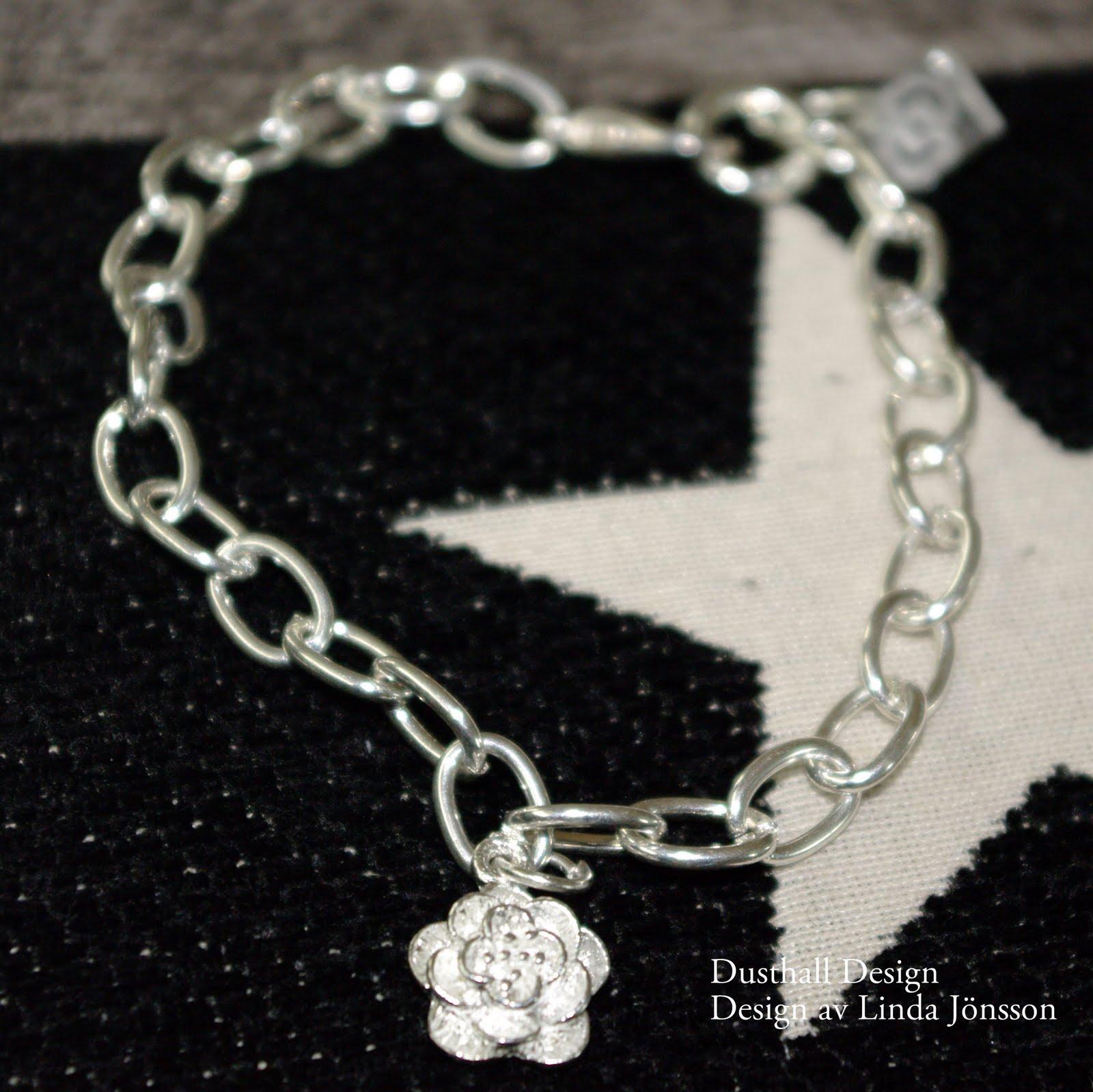 Armband med Blomma i 925 100 kr 72e575ec23c16