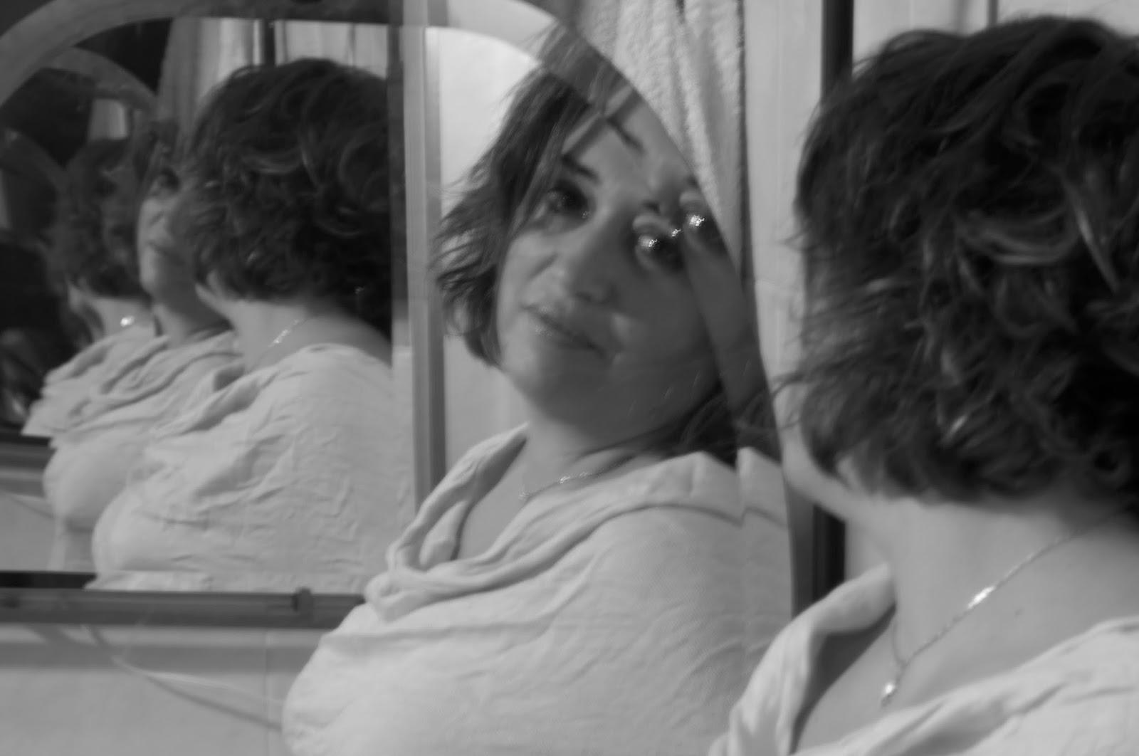 La filosofa harapienta espejos que se reflejan a si mismos for Espejo que se pega