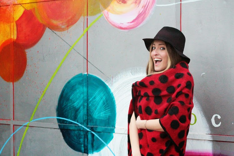 http://www.elenandthecity.com/2015/03/in-love-with-polka-dot.html