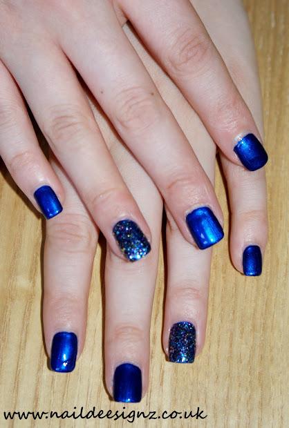 naildeesignz blue with glitter