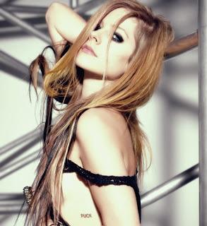 Photoshoot para o Maxim com Avril Lavigne 2010