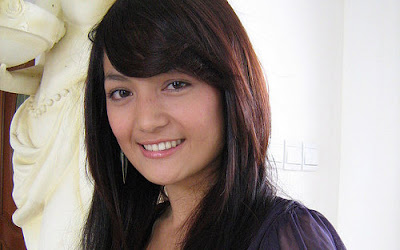 Profil Dan Galeri Foto Imel Putri Cahyati [ www.BlogApaAja.com ]
