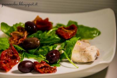 pesce al vapore con rucola, pomodorini secchi e olive bimby