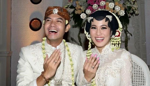 Foto Pernikahan Allysa