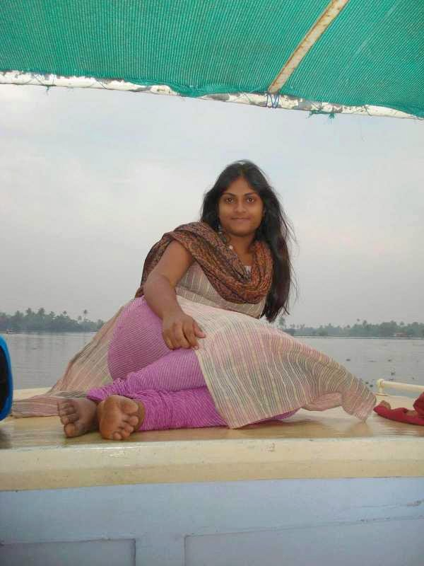 Choto Mami - Bengali Erotica Story