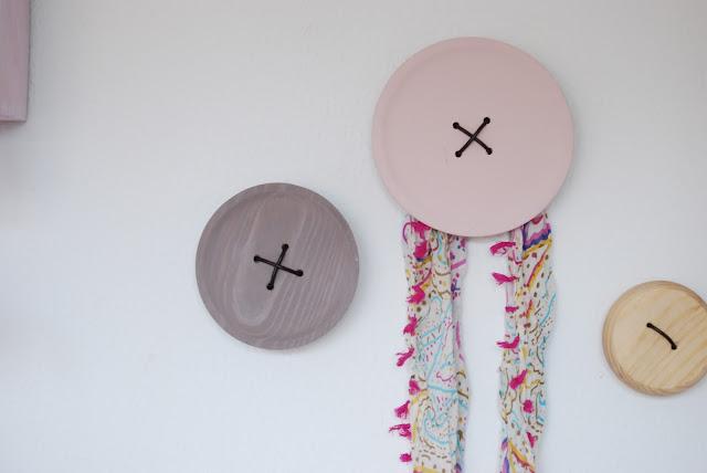 Cómo hacer un perchero botón gigante