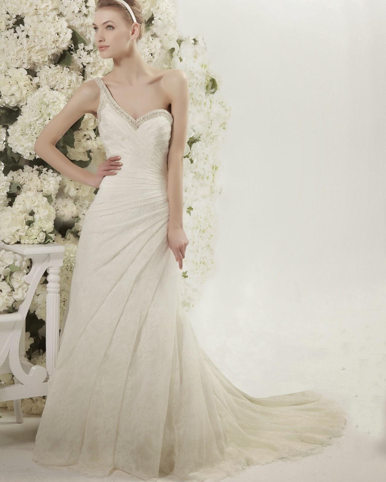 Vestidos de novia drapeados en el busto