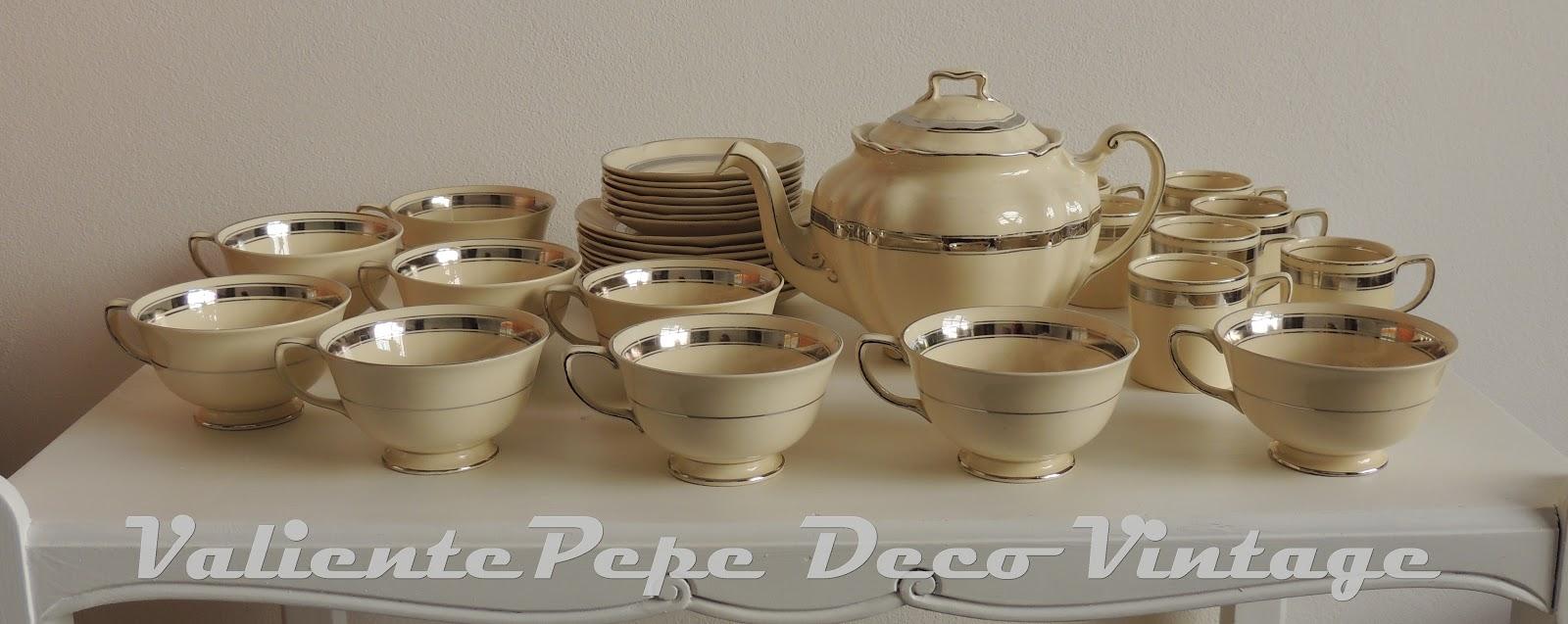 Juego de vajilla de porcelana victorian de johnson for Vajilla de porcelana inglesa