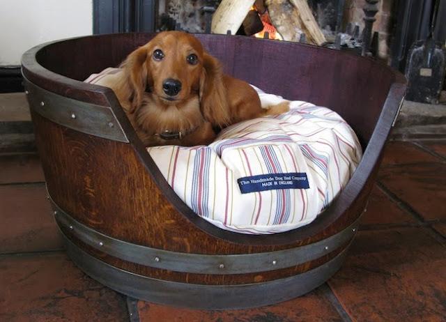 temppat tidur hewan peliharaan dari kayu