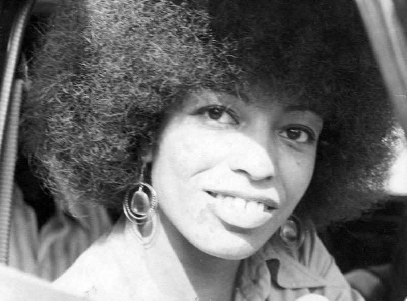 """the early introduction of angela davis to communism Praxis center » race, class, & immigration » """"thinking black"""" against the carceral state: angela davis and prisoner defense campaigns."""