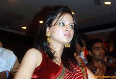 sakshi_rawat_celebrity_FilmyFun.blogspot.com