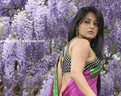 south Indian actress anushka saree