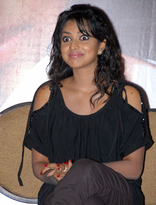 Actress Amala Paul High Quality Wallpaper Photos At Premakhaidi Event Hotandspicyactressphotosgallery
