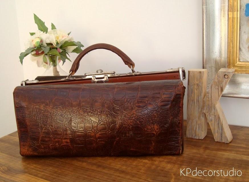 Comprar maletín de médico antiguo de cuero y piel.
