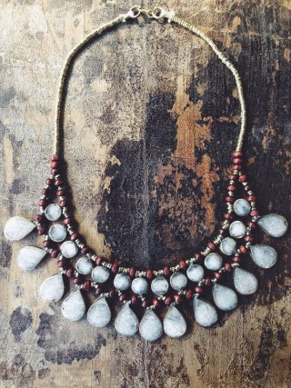 http://www.swankboutiqueonline.com/little-terra-statement-necklace/