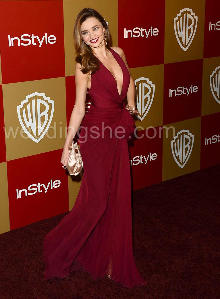Red Evening Dresses for Valentines. Visit www.forarealwoman.com #moda #fashion #blogger