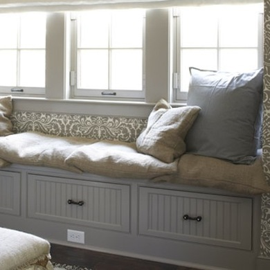 With built in drawers or a lift top bench a window nook can provide a