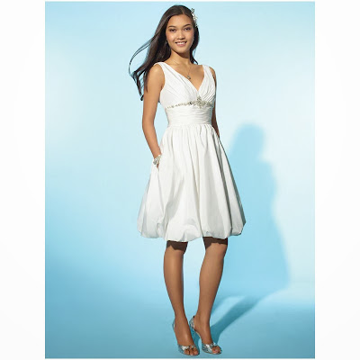 Choosing Best Petite White Dresses for Special Occasions