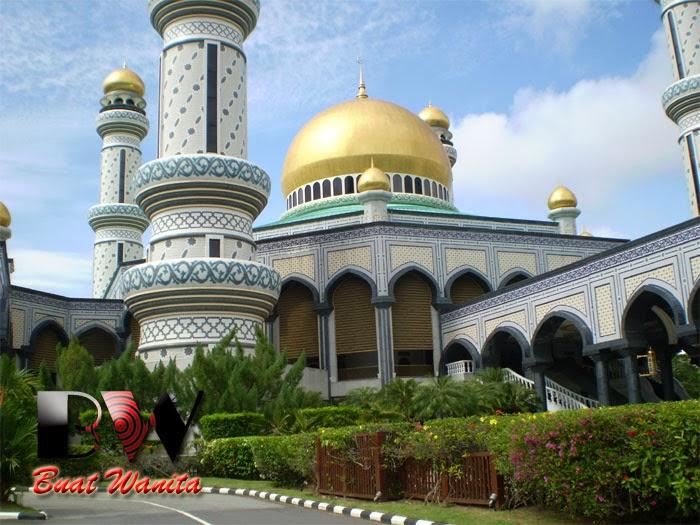 http://buatwanita.blogspot.com/2014/03/masjid-istana-brunei-darussalam.html