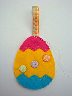 Step+6+ +Sew Tutorial:  Felt Easter Egg