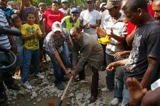 Gobierno inicia construcción de apartamentos en San Cristóbal