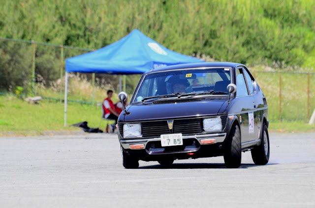Suzuki Fronte LC10W, stary japoński samochód, małe auto, niewielki silnik, sprawnościówka, KJS, autocross, nostalgic, Suzi, napęd na tył, RWD, silnik z tyłu