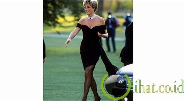 """Gaun """"Balas Dendam"""" Putri Diana"""
