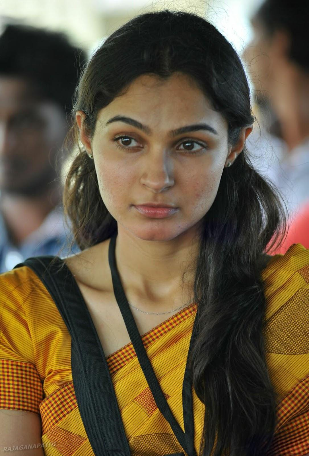 SOUTH ACTRESS ANDREA JEREMIAH IN SAREE NEW STILLS ...