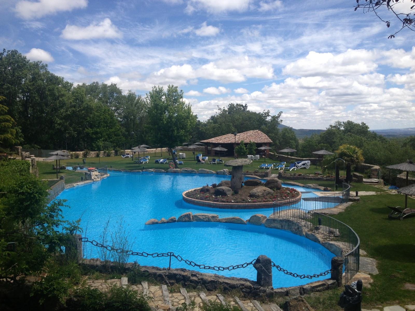 Piscina y terraza de verano Hotel Spa Abadia de lo Templarios La