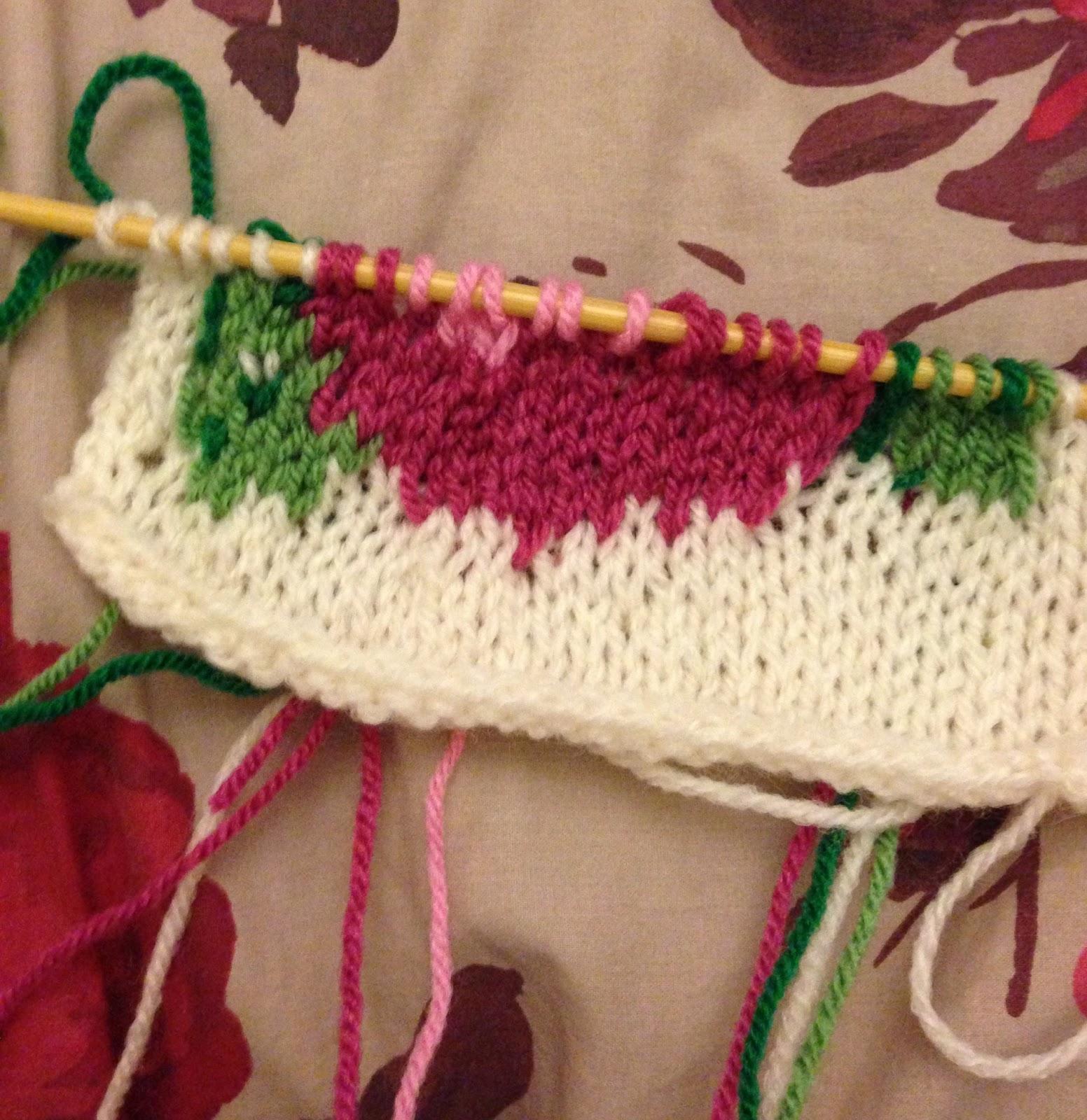 Intarsia Knitting Patterns : Yarning Darling: A Rosy Intarsia Foray