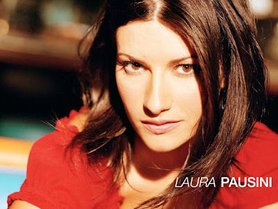 Laura Pausini Lovely Wallpaper