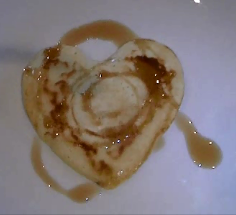 heart shaped syrup pancaker