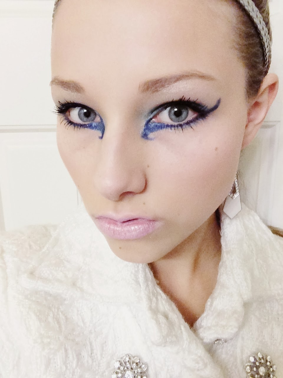 Posted by Caitlin Klassen at 2 23 PMIce Princess Halloween Makeup