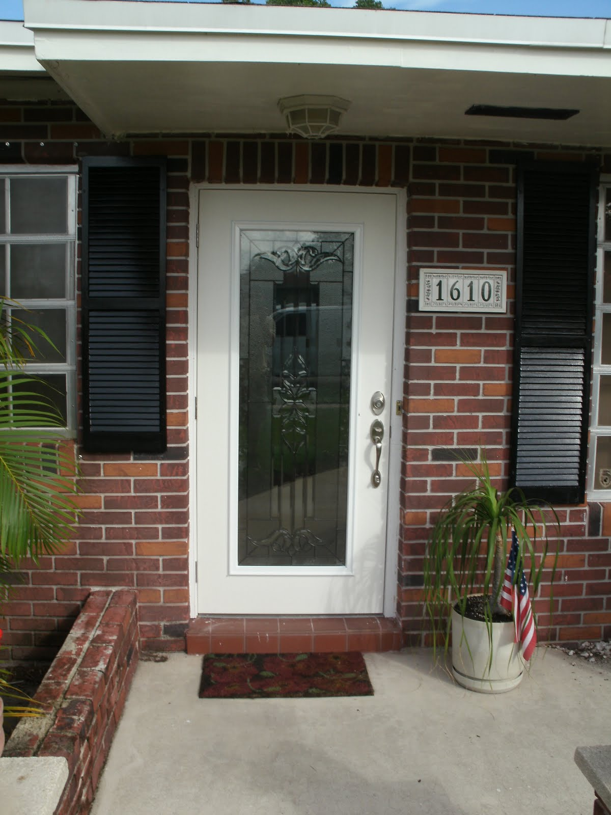 Exterior doors install handyman extraordinaire for Entry door installation