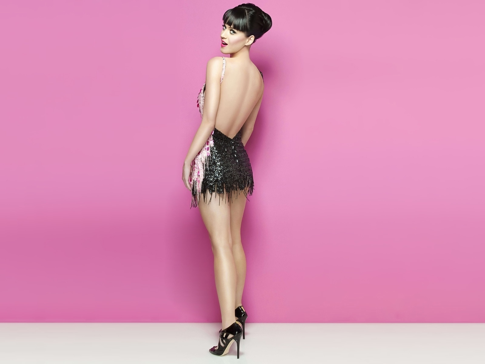 http://4.bp.blogspot.com/-LjDE4hPsEFM/TZZitZJ_1WI/AAAAAAAAMQ8/Ip9cDBj_R0c/s1600/katy-perry-sexy-wallpapers_21293_1600x1200.jpg
