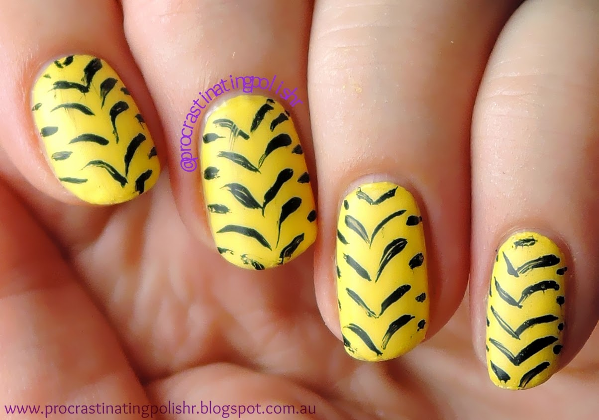 Tiger stripes nail art 52WPNMC