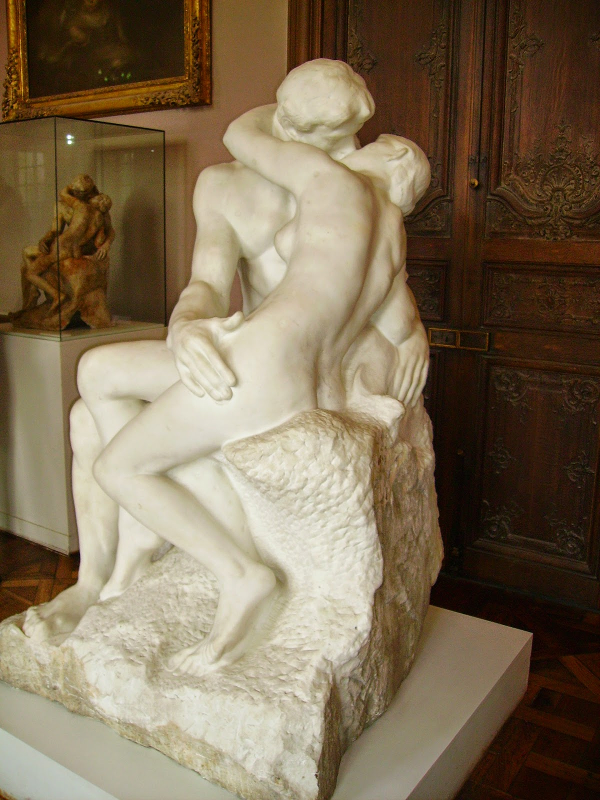 http://upload.wikimedia.org/wikipedia/commons/0/0e/Auguste_Rodin-The_Kiss-Rodin_Museum%2C_Paris.jpg