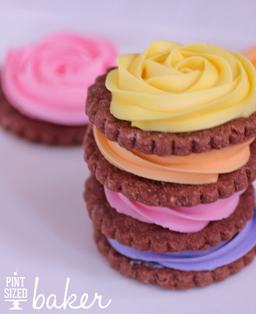 Chocolate Shortbread Rose Cookies @ Pint Sized Baker