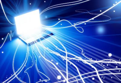 سحر-الشاشة-لابتوب-المحمول-الانترنت-إدمان-الشبكة-جمال-انجذاب-هيمنة-الحاسب-التلفاز