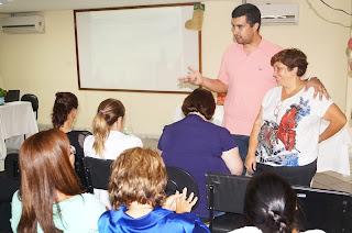 O Secretário de Educação Leonardo Vasconcellos elogia o trabalho do Conselho junto com sua presidente Fátima Machado