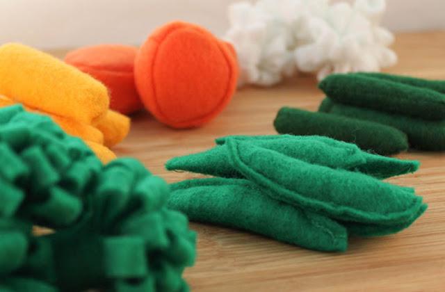 imitación de verduras hecha con fieltro