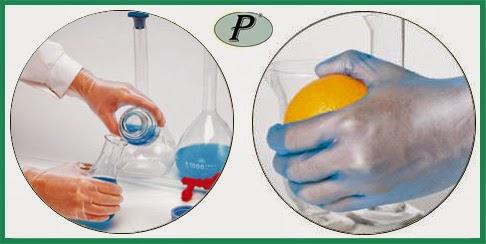 Guantes de vinilo de color azul desechables