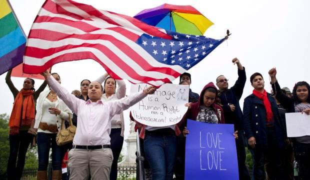 Ativistas pelos direitos LGBT pedem aprovação da união e do casamento igualitário nos EUA (Foto: The NYT/Guy Calaf)