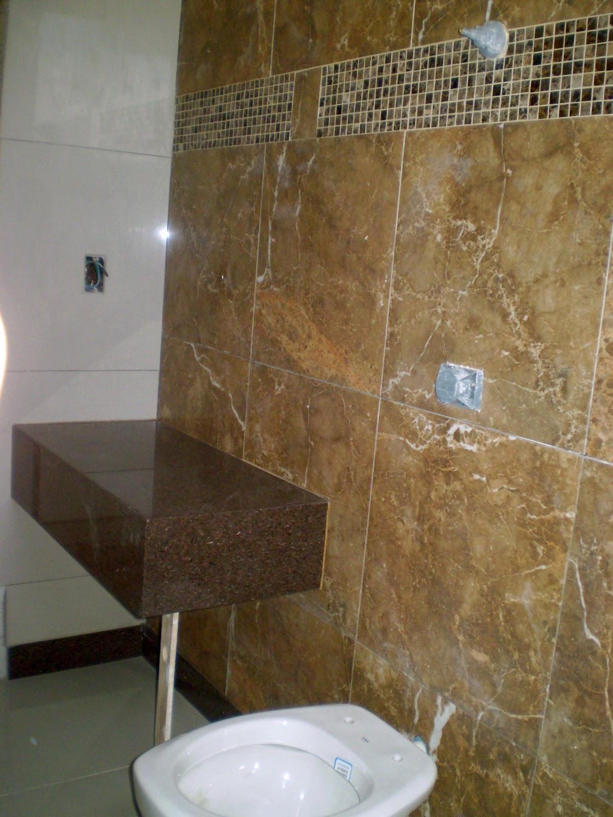 Áurea: Mais informações sobre o banheiro com Porcelanato que imita  #614C2F 1200x1600 Banheiro Com Azulejo Que Imita Pastilha