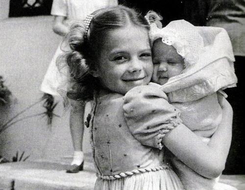 Natalie con su hermana Lana (1946)