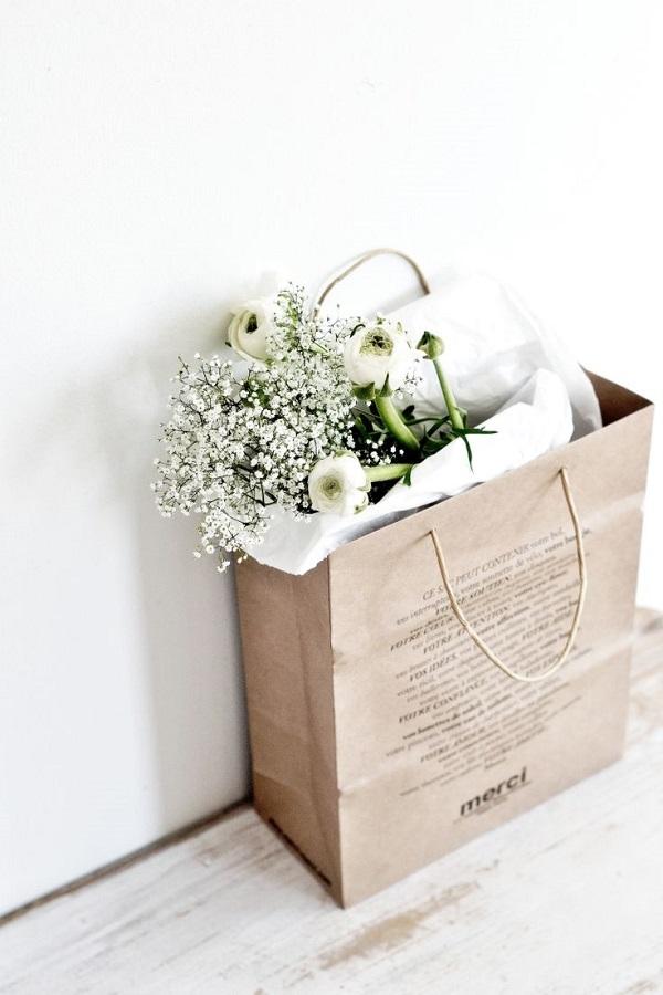 Paper bag flower ukrandiffusion express o fresh flower paper bag bouquets mightylinksfo