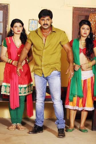 Pawan Singh, Kavya, Priyanka Pandit Lagi Nahi Chhute Rama Bhojpuri Movie Shooting stills